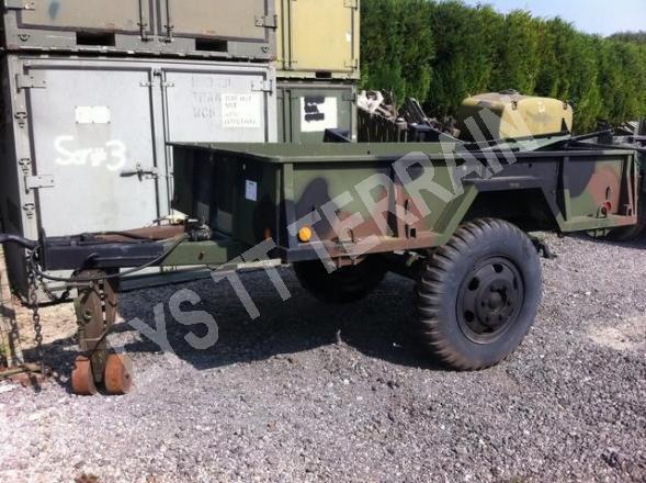 REMORQUE REO US ARMY M105A1
